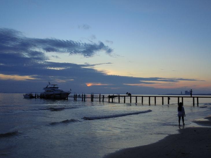 Evening walk in Sihanoukville
