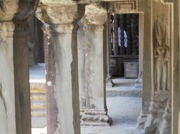 Columns, it's so peaceful to experience such order in temples